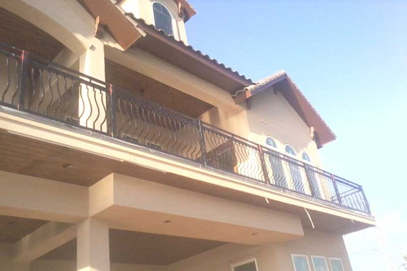 Bison fence spring texas balcony railing gallery for Balcony 2nd floor